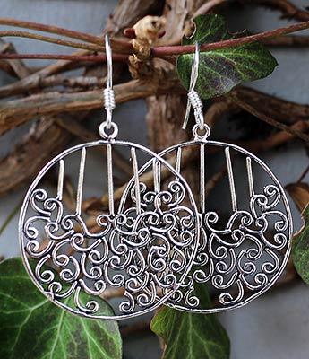 Silber Ohrringe mit Ornamentik