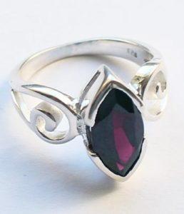 Silberring mit Granat
