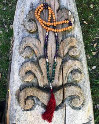 Mala mit Holzperlen und Edelsteinen