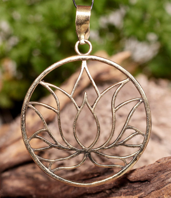 Lotusblüte Anhänger aus Messing im Ganesha Online Shop