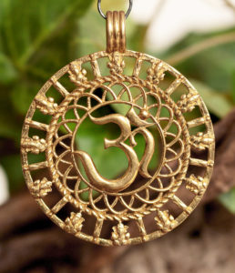 OM Messing Anhänger günstig im Ganesha Online Shop