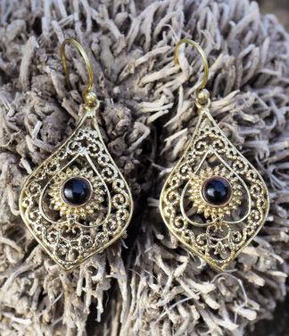 Messing Ohrringe mit Onyx im Online Shop kaufen