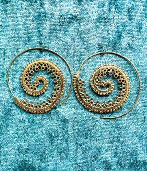 Spiralen Messing Ohrringe aus Indien im Ganesha Online Shop