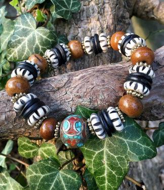 Armband mit Holz Horn und Messing Perlen