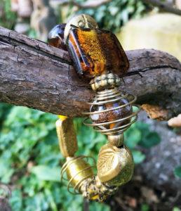 Armband mit Glas und Messing Perlen im Online Shop
