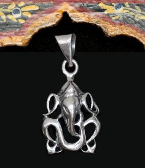 Kleiner Ganesha Anhänger in Silber aus Indien im Ganesha Online Shop