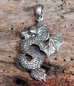 Drachen Silber Anhänger im Angebot reduziert im Ganesha Online Shop
