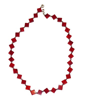 Halskette aus Schaumkoralle mit Silberperlen