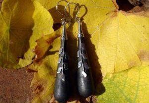 Lavastein Ohrringe mit Silberarbeit