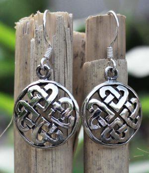Silber Ohrringe mit Herz Ornamenten