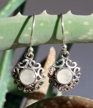 Im Ganesha Online Shop Silber Ohringe mit Mondstein kaufen