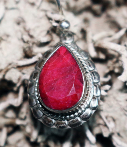 Ohrringe mit Rubin geschliffen im Ganesha Online Shop