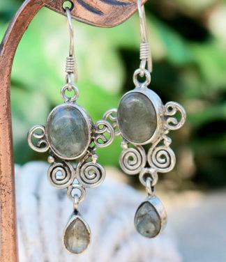 Reduzierte Labradorit Ohrringe mit Silber im Ganesha Online Shop