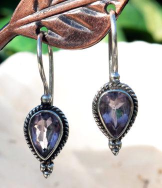 Ohrringe mit geschliffenen Amethyst in Silber im Ganesha Online Shop