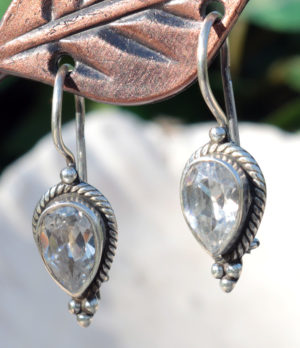 Silberohrringe mit Zirkon im Ganesha Shop kaufen