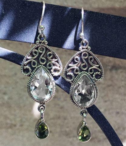 Ohrringe mit Mondstein und Peridot im Ganesha Online Shop