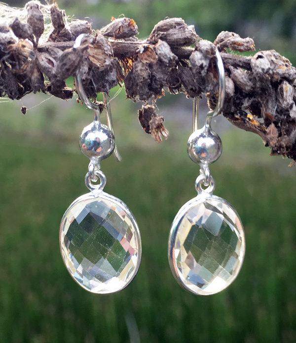 Ohrringe mit geschliffenen Bergkristall