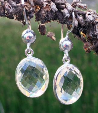 Ohrringe mit geschliffenen Bergkristall im Ganesha Online Shop