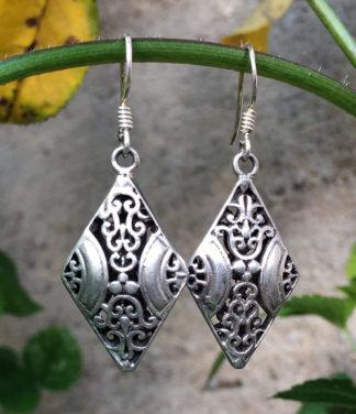 Silberohrringe mit indischer Ornamentik im Ganesha Online Shop