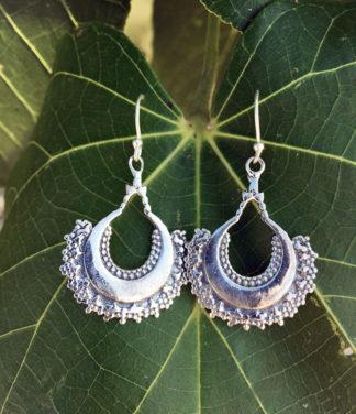 Silberohrringe mit indischer Ornamentik im Online Shop