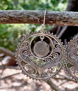 Filigrane runde Silberohrringe im Ganesha Shop kaufen