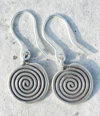 Silber Ohrringe als Spirale