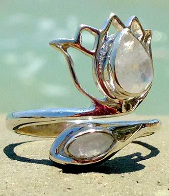 Verstellbarer Silberring mit Mondsteinen