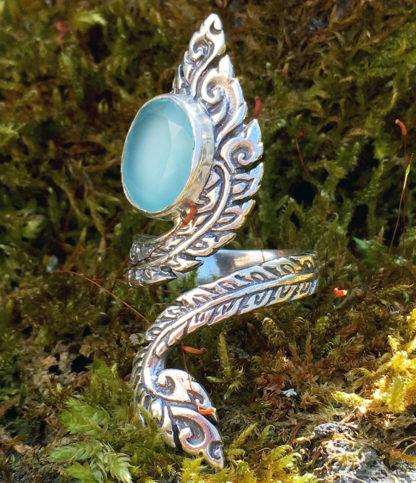 offener Silberring mit Chalcedon