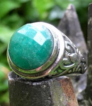 Silberring mit geschliffenen Smaragd - Ganesha Online Shop