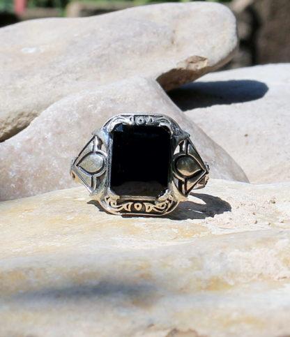 Silberring mit geschliffenen Onyx