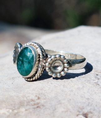 Silberring mit geschliffenen Smaragd - kaufen