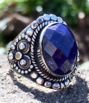 Silberring mit geschliffenen Saphir kaufen