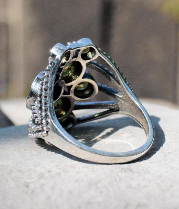 Silberring mit geschliffenen Peridot - Ganesha Shop Fürth