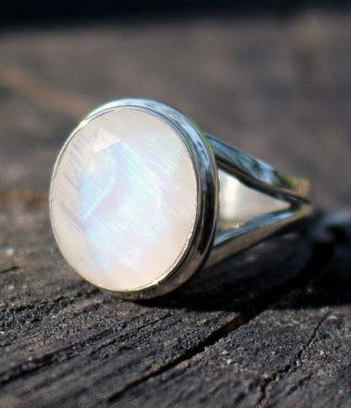 Silberring mit Mondstein geschliffen - Online Shop