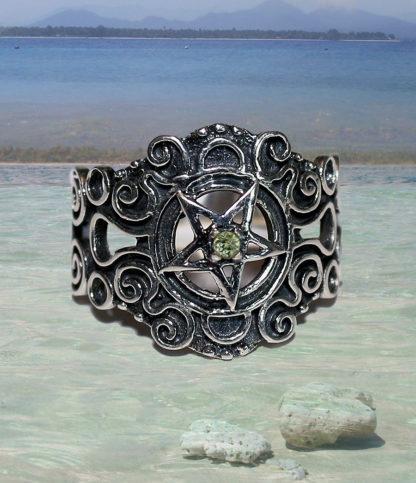 Pentagramm Silberring mit Peridot günstig kaufen im Ganesha Online Shop