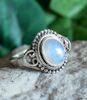Silberring mit Mondstein aus Indien im Ganesha Online Shop