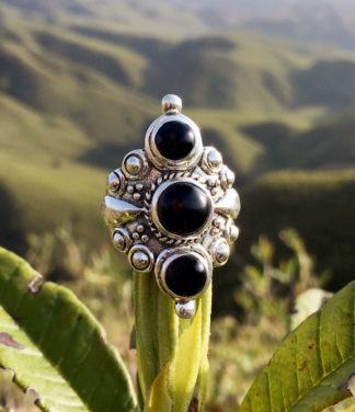 Silberring mit drei Onyx Steinen
