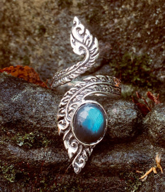 Offener verstellbarer Silberring mit Labradorit im Ganesha Online Shop