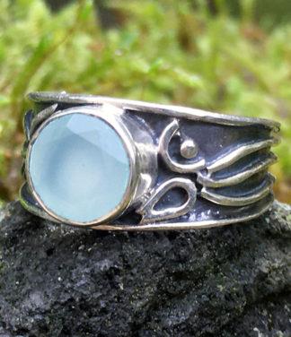 Silberring mit geschliffenen Chalcedon kaufen