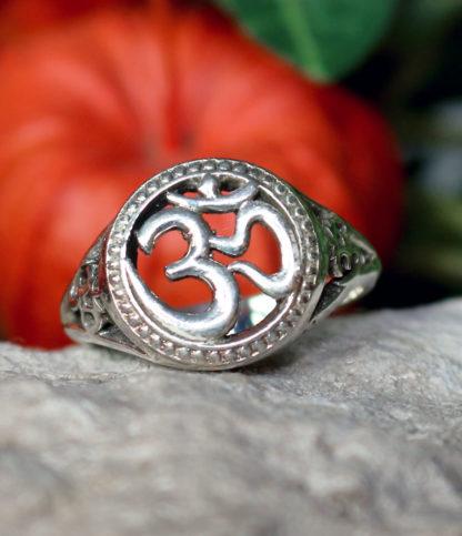OM Silberring im Ganesha Online Shop kaufen