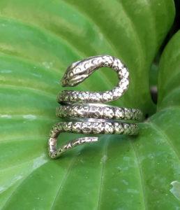 Schlangenring aus Silber im Online Shop kaufen