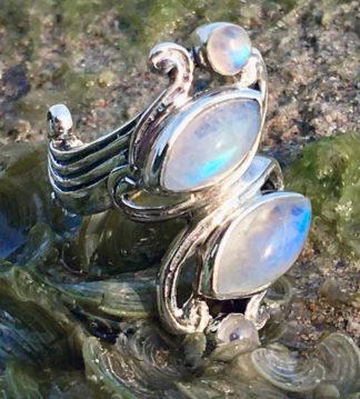 Silberring mit vier Mondsteinen im Ganesha Shop kaufen