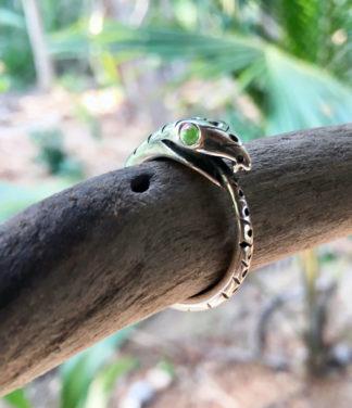 Ouroboros Schlangenring in Silber im Ganesha Online Shop