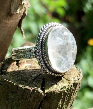 Silberring mit ovalen Mondstein im Online Shop kaufen