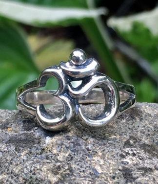 OM Silberring im Ganesha Online Shop