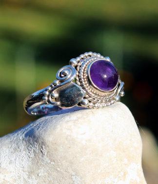 Silberring mit Amethyst Stein im Ganesha Online Shop