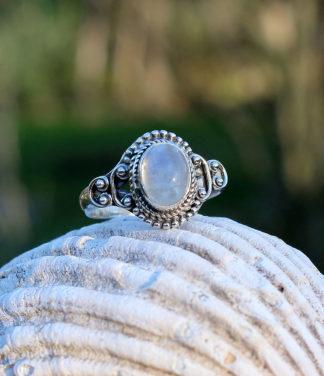 Kleiner Mondstein Silberring online kaufen