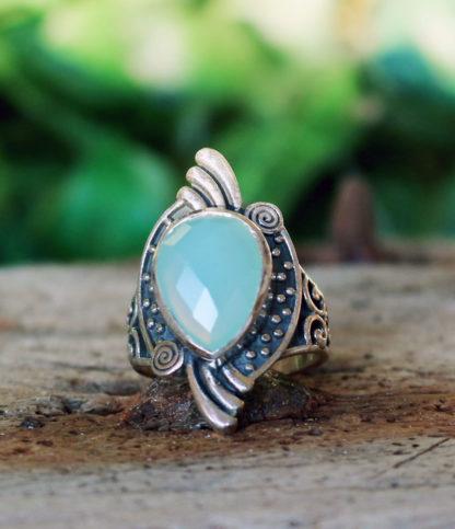 Geschliffener Chalcedon Silberring im Ganesha Online Shop