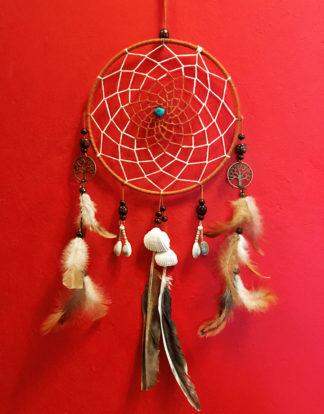 Traumfänger mit Holzperlen und Muscheln im Ganesha Shop